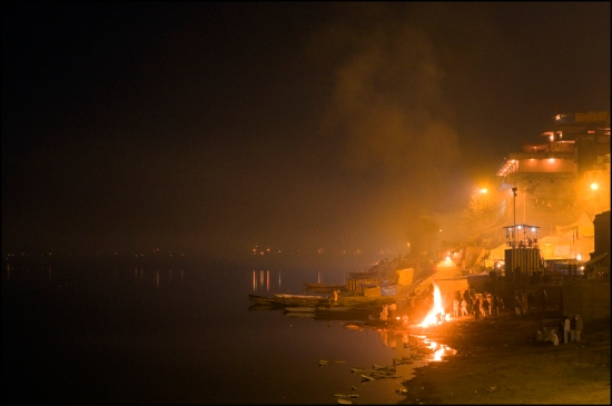 A cremation at night on Harichandra Ghat