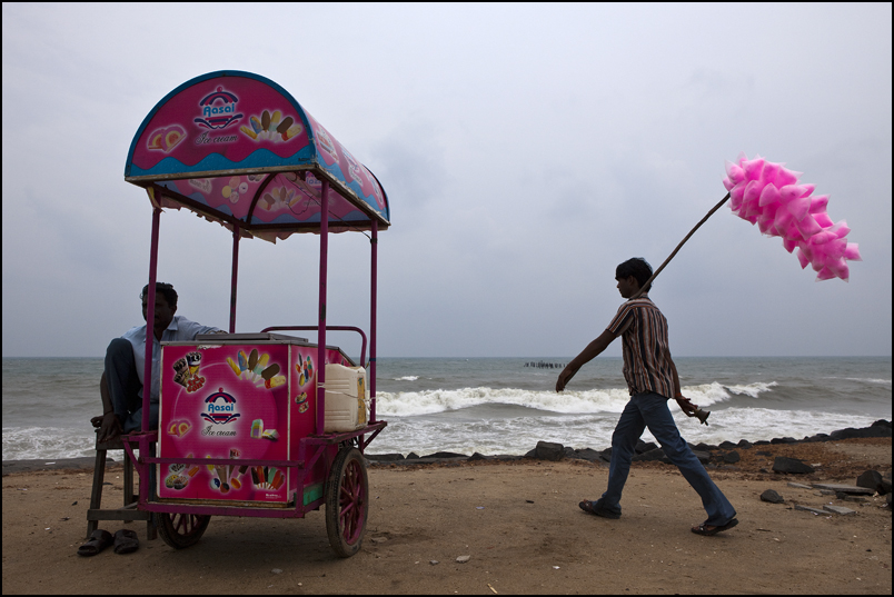 Selling Marshmallow on the beach in Pondicherry