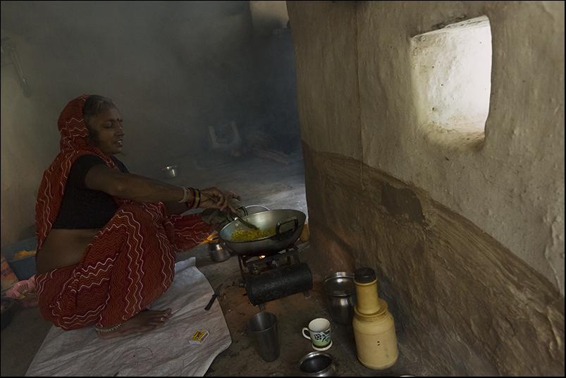 Cooking. Kajuraho. Madhya Pradesh